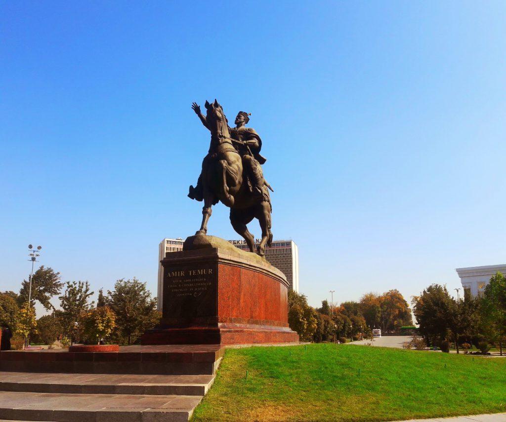 Info Shymkent - Amyr Temur statue in Taschkent