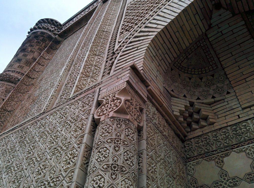 Info Shymkent - Details of the Mausoleum of Aisha Bibi