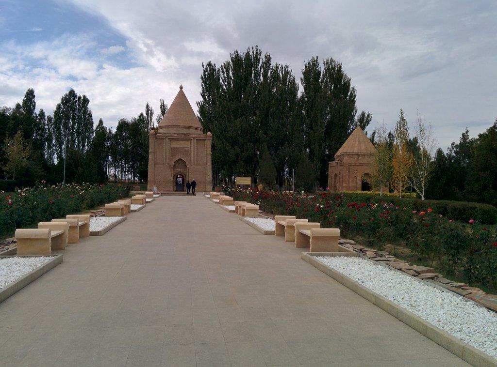 Info Shymkent - First view on Aisha Bibi Mausoleum