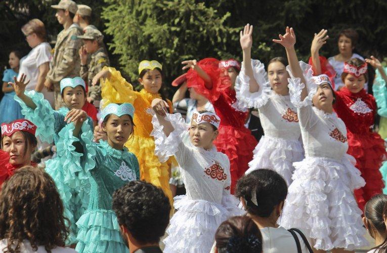 International Dance Day – Kazakh folk dances