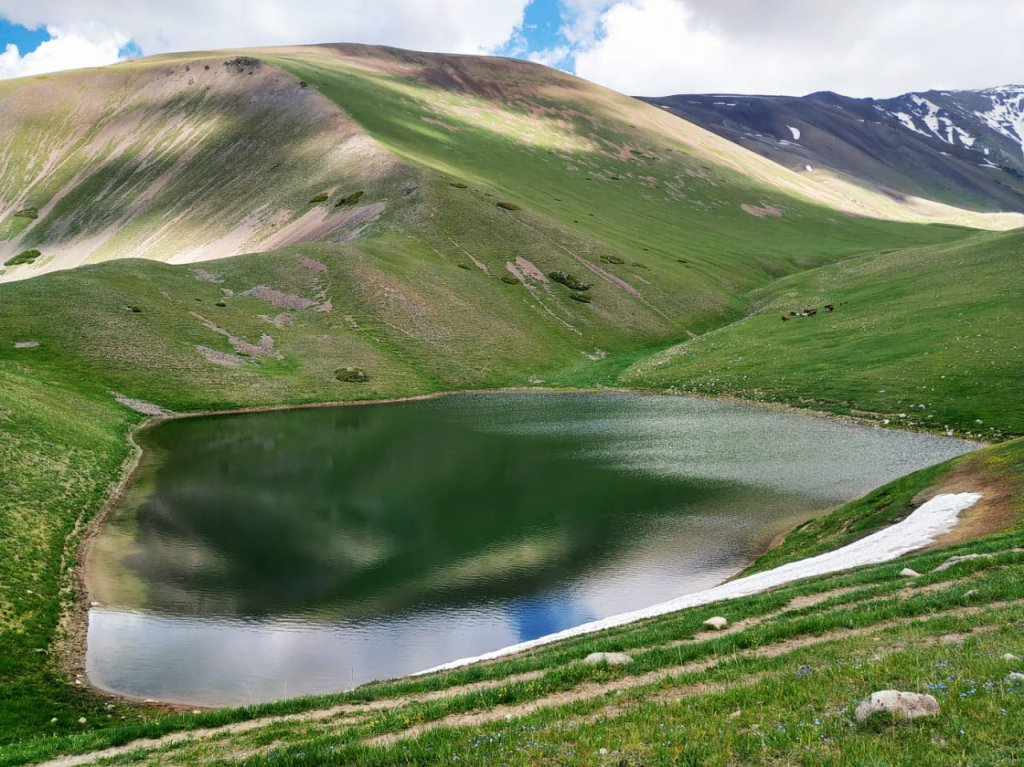 Info Shymkent - Lake in the Tian Shan Mountains near Shymkent.