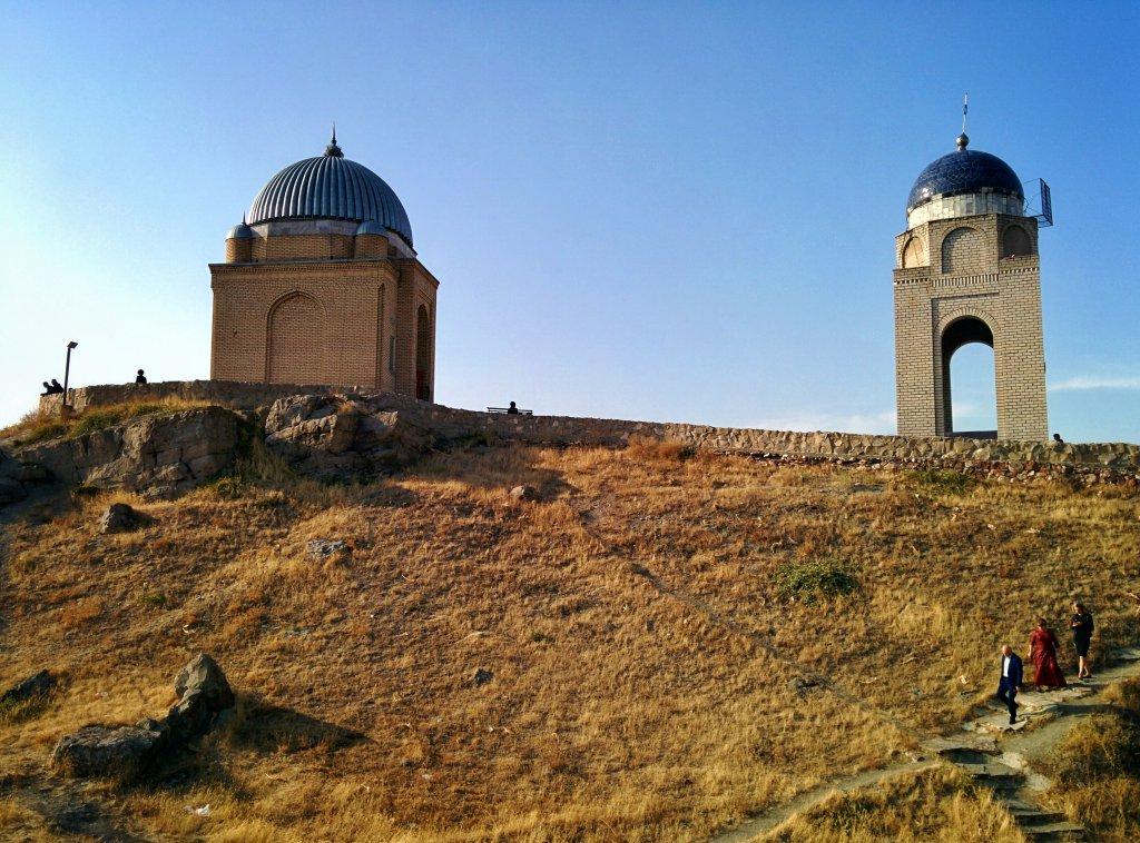 Info Shymkent - Tekturmas Mausoleum is located on a hill near Taraz