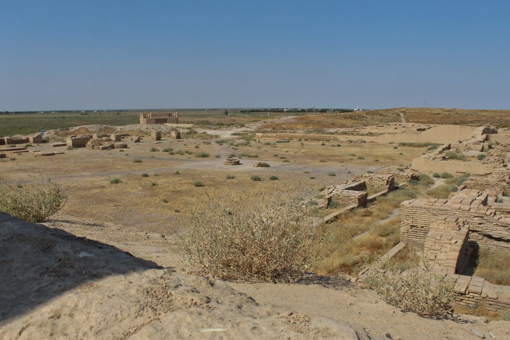 Info Shyment - Ruins of mosque of ancient silk way city Otrar