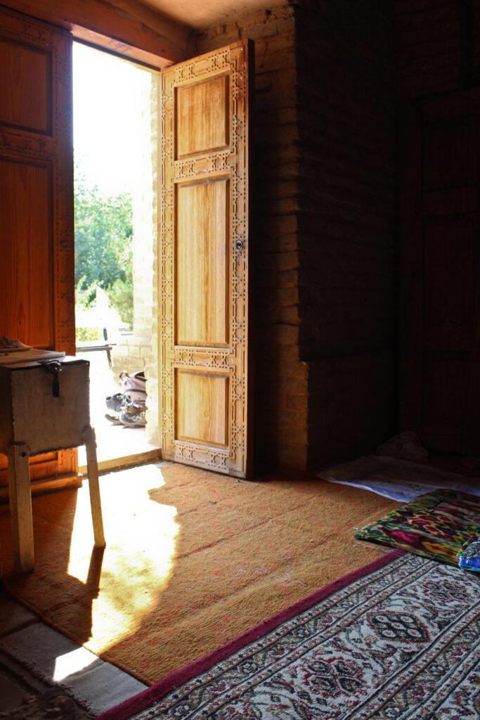 Info Shymkent - Open door in Mirali Baba Mausoleum in Sairam