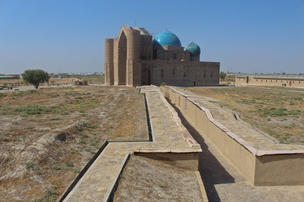 Info Shymkent - View to the Yassawi Mausoleum