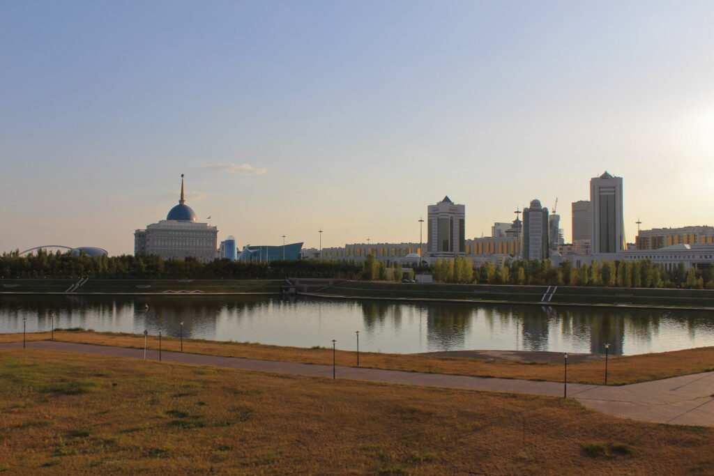 Info Shymkent - View to the Ak Orda President Palace and the Ishim River