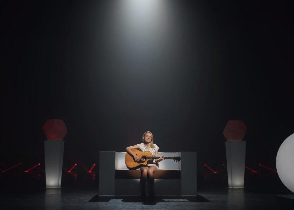Info Shymkent - Musician Kelsie Kimberlin with her song Lobotomy