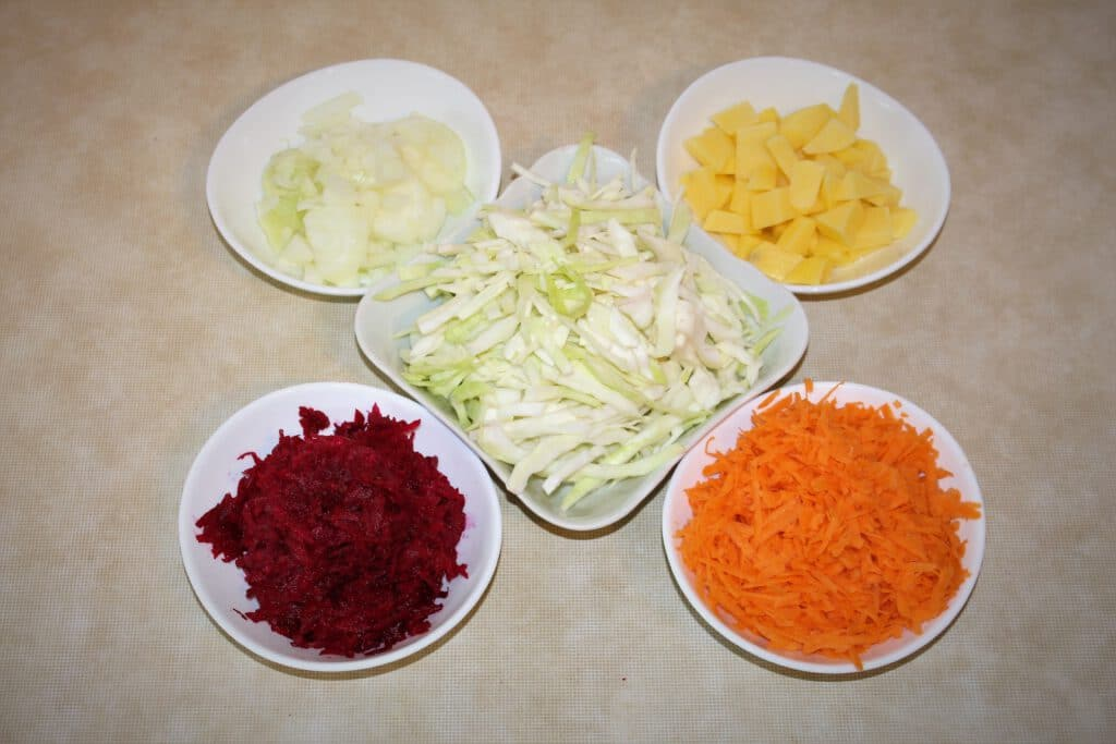 Info Shymkent - Main Ingredients for a Vegetarian Borscht