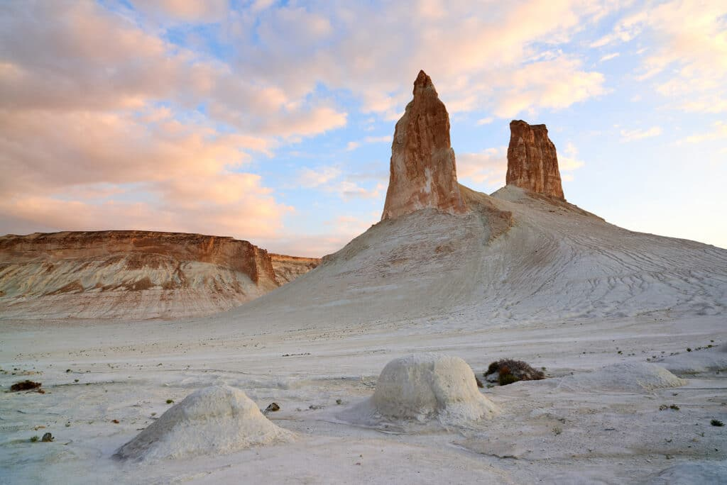Info Shymkent - Ustyurt plateau in the Mangystau region of Kazakhstan (Photographer: Yerbolat Shadrakhov)