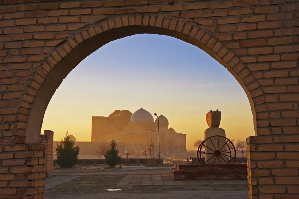 Info Shymkent - Morning light in Turkestan city (Photographer: Yerbolat Shadrakhov)