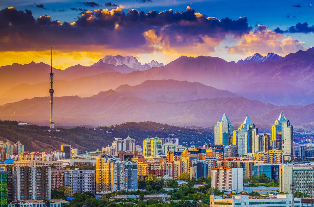 Info Shymkent - Dramatic sunrise over Kazakhstan's city Almaty (Image: Farhat Kabdykairov)