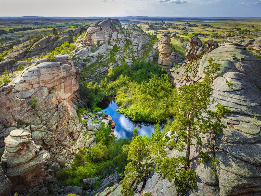Info Shymkent - Beautiful lake in the crazy landscape of Bayanaul National Park in Kazakhstan (Image: Farhat Kabdykairov)