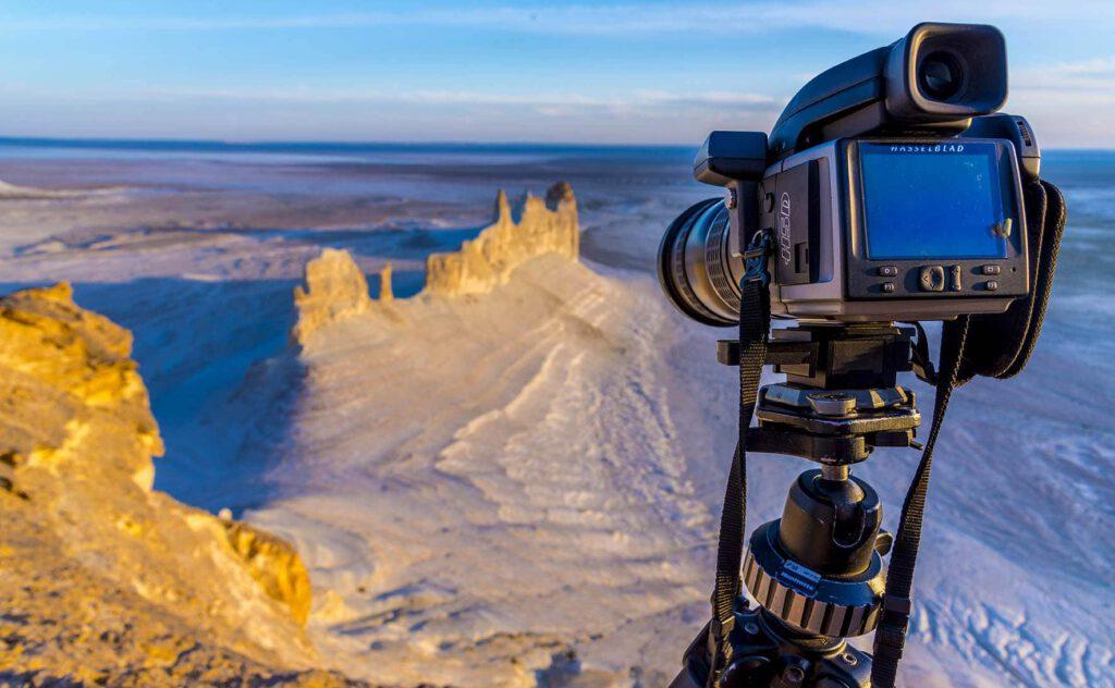 Info Shymkent - Farhat Kabdykairov's equipment - a Hasselblad camera during expedition in Mangystau region