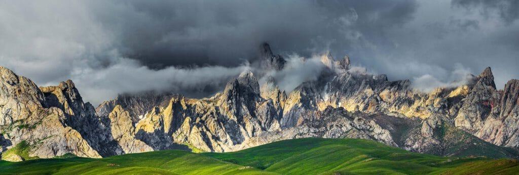 Info Shymkent - Impressive Kelinshektau range in Turkistan, Kazakhstan (Image: Farhat Kabdykairov)