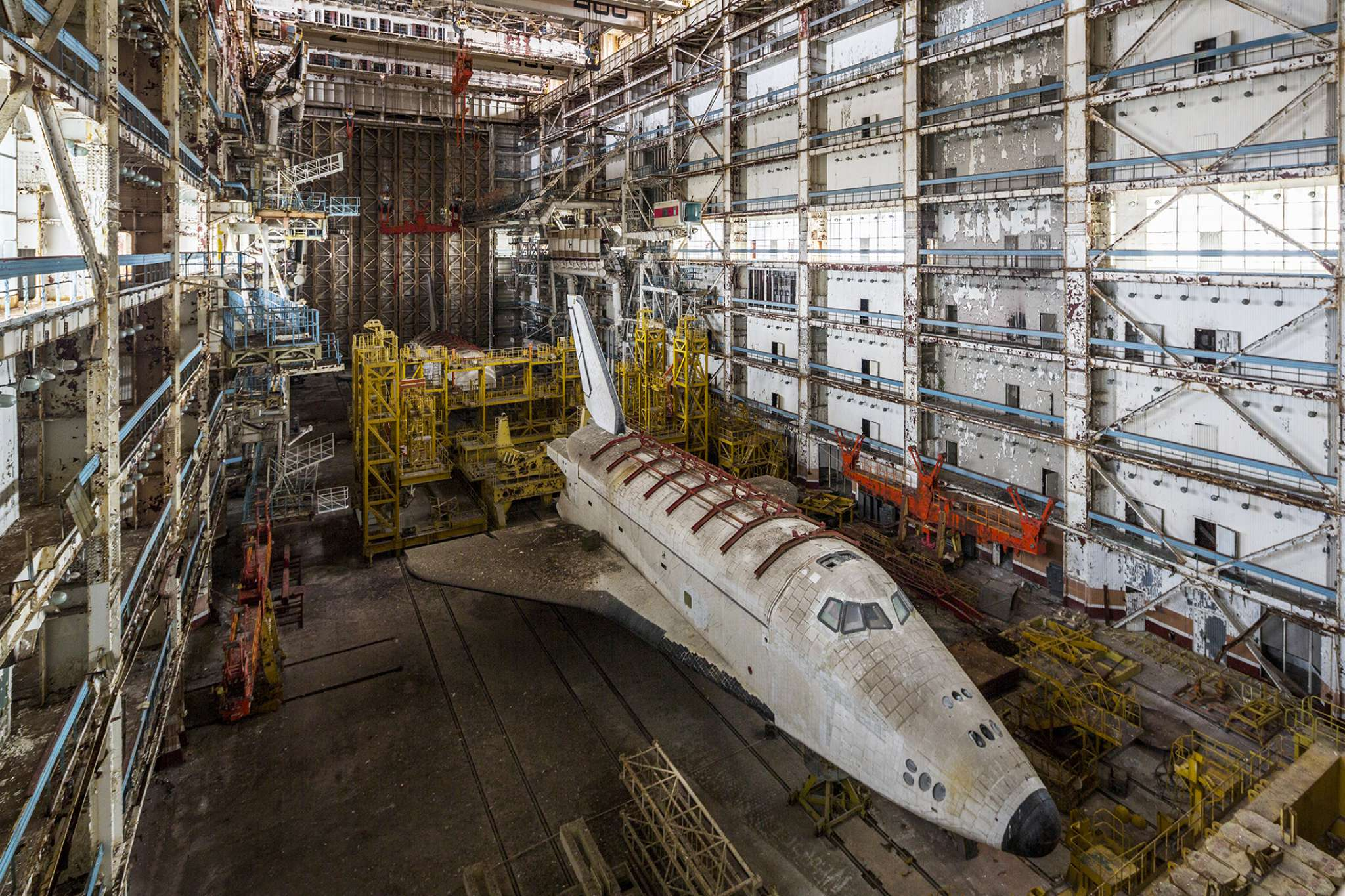 InfoShymkent - French photographer Jonk visited the two Buran in Baikonur Cosmodrome