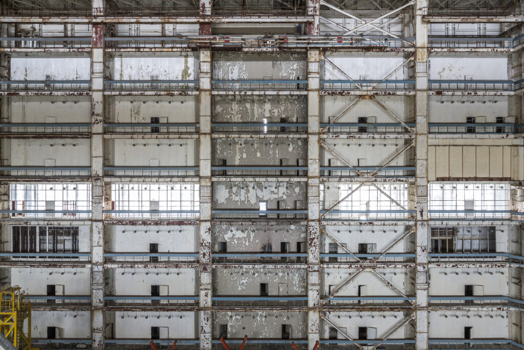 Info Shymkent - Wall of MZK building in Baikonur (Image: Jonk)