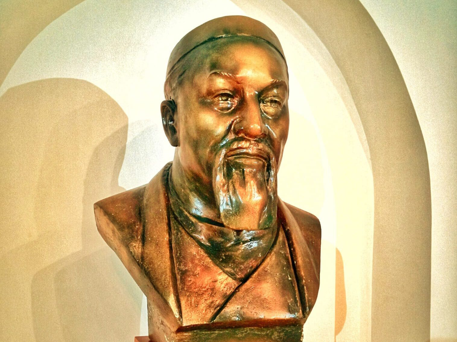 Info Shymkent- Bust of Abai Qunanbaiuly