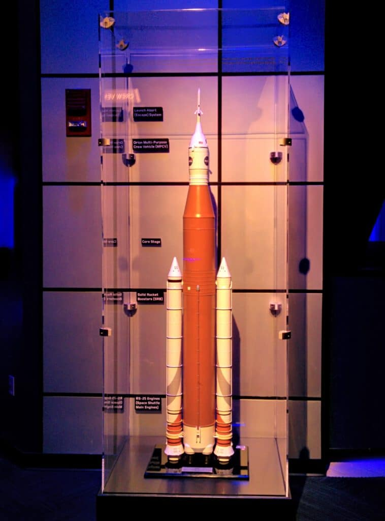 Info Shymkent - Model of NASA's Space Launch System (SLS)