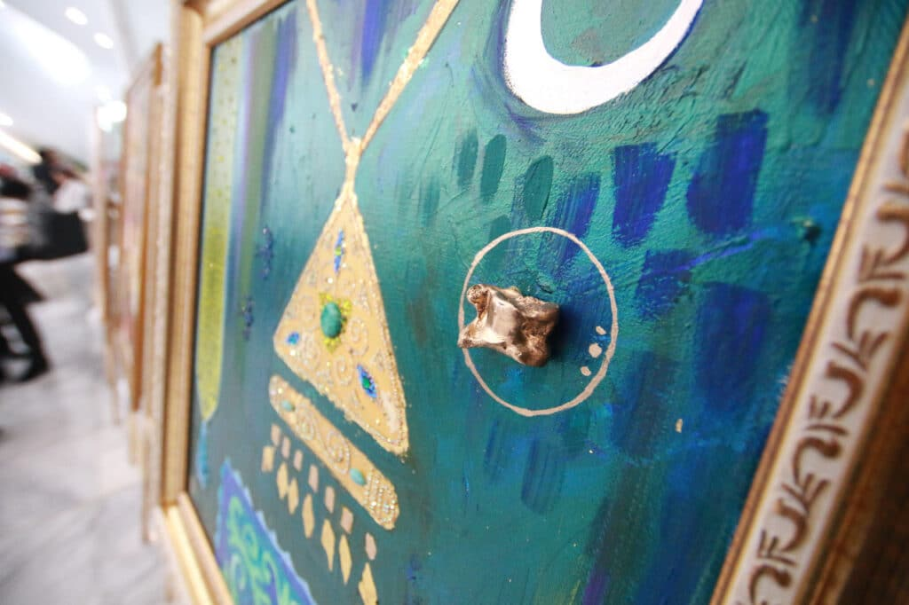 Info Shymkent - Great detail - a close-up of a painting by Kazakh artist Aisulu Almasbayeva