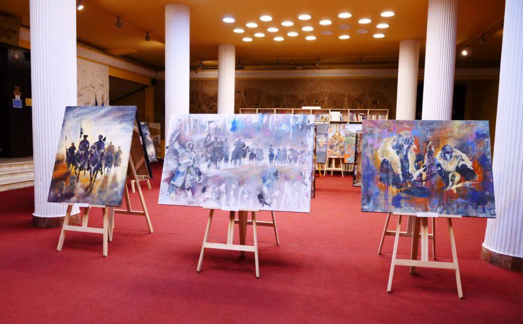 Info Shymkent - Paintings of Kazakh artist Alua Tebenova in a art exhibition in Romania
