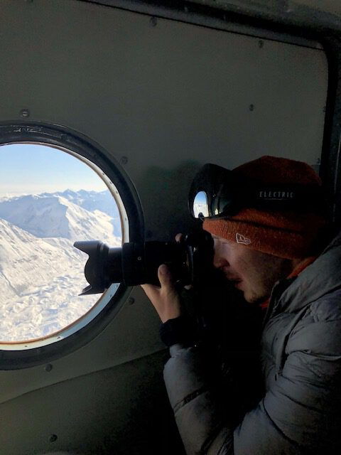 Info Shymkent - Alexandr Kuznetsov - Photoshooting of Kazakhstan's highest peak from a plane