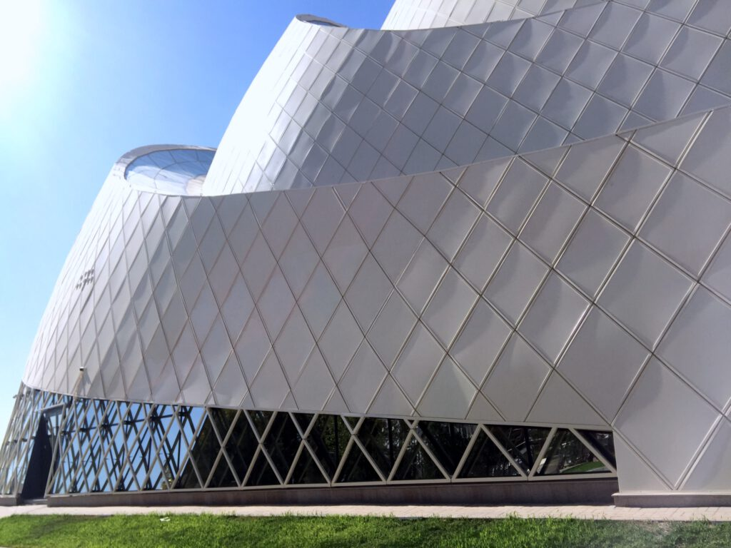 Info Shymkent - Side view of Khoja Ahmed Yasawi Museum in Turkestan (Image: Dome + Partners)
