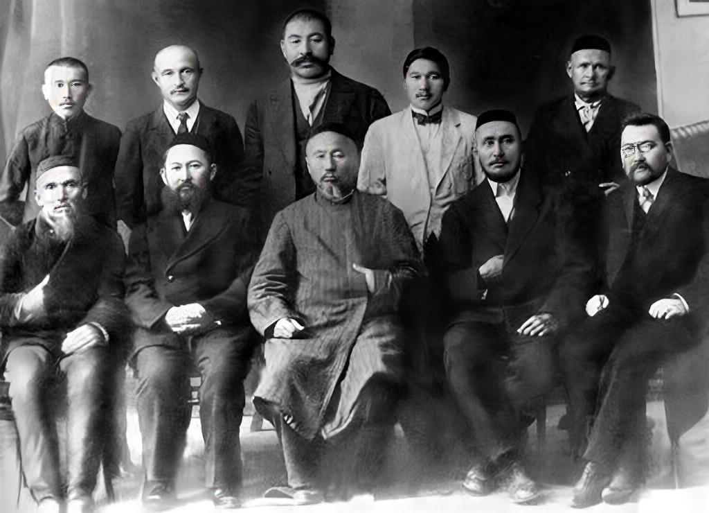 Info Shymkent - Members of Kazakh Alash Orda and Kazhymukan Munaitpasov