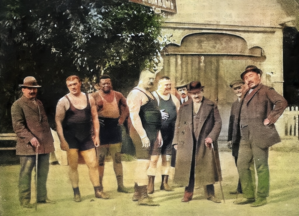 Info Shymkent - Famous Wrestlers of the 1920ies and Kazhymukan Munaitpasov from Kazakhstan