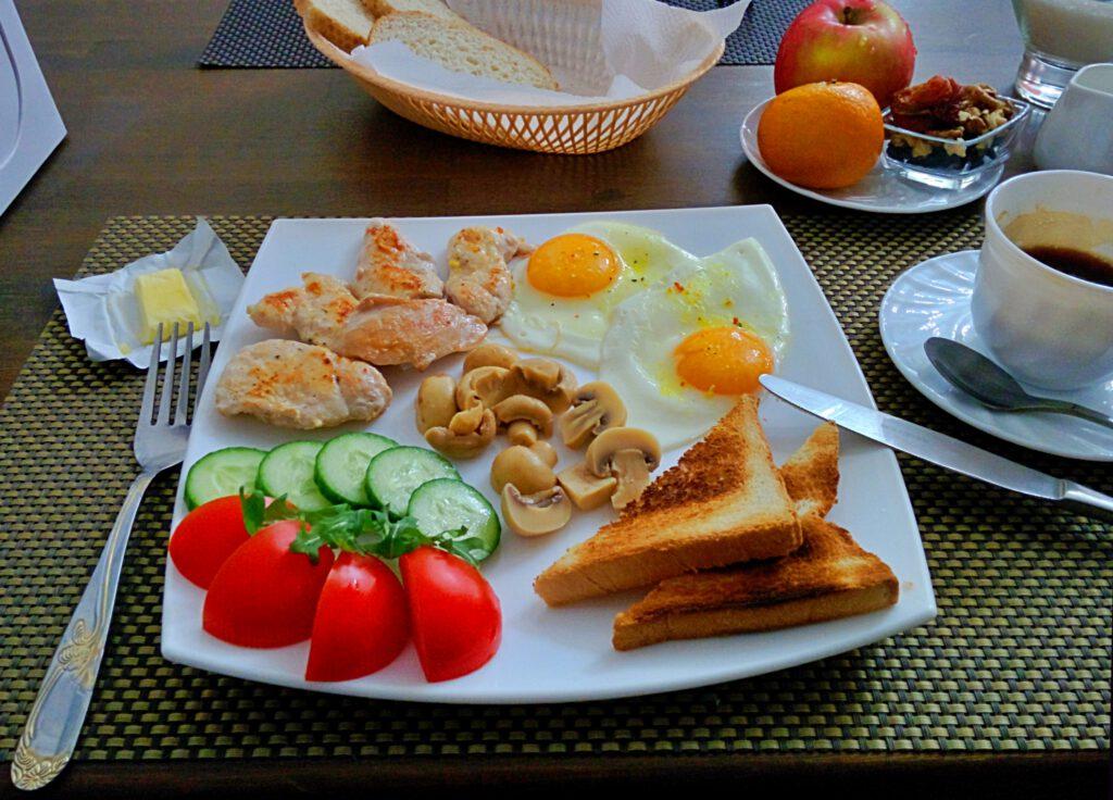 Info Shymkent - Breakfast in Promenade Hotel in Shymkent