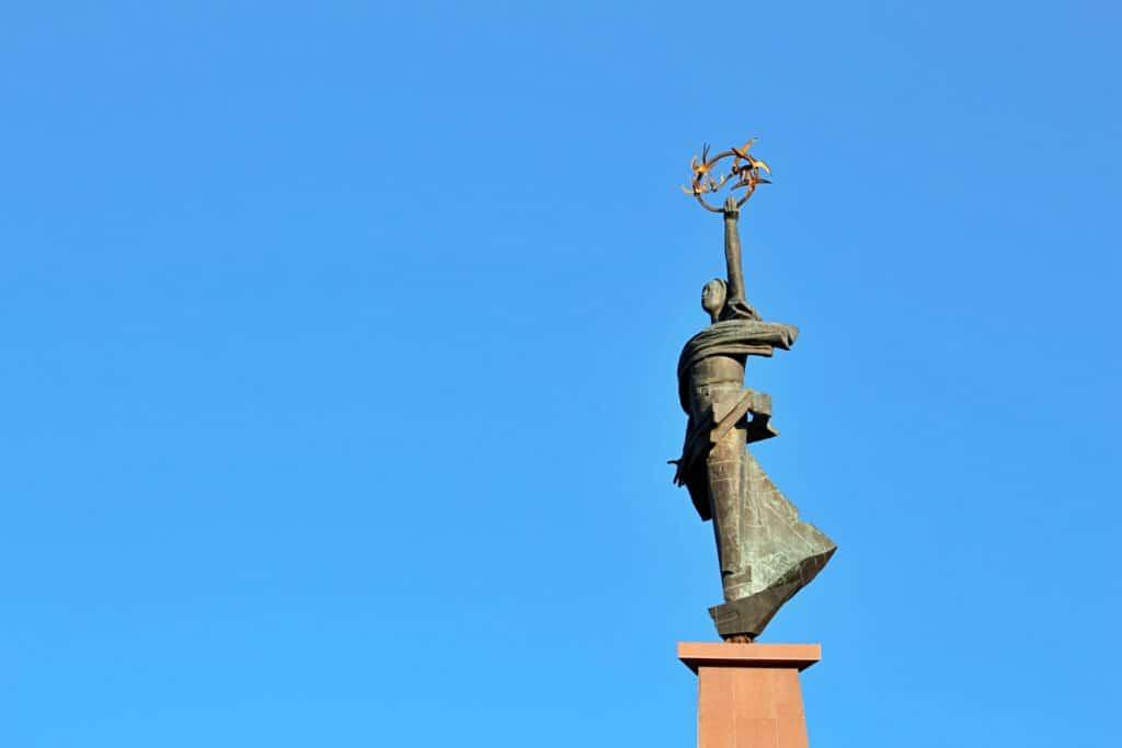 """Info Shymkent - Monument """"Zher-Ana"""" at Ordabassy Square in Shymkent"""